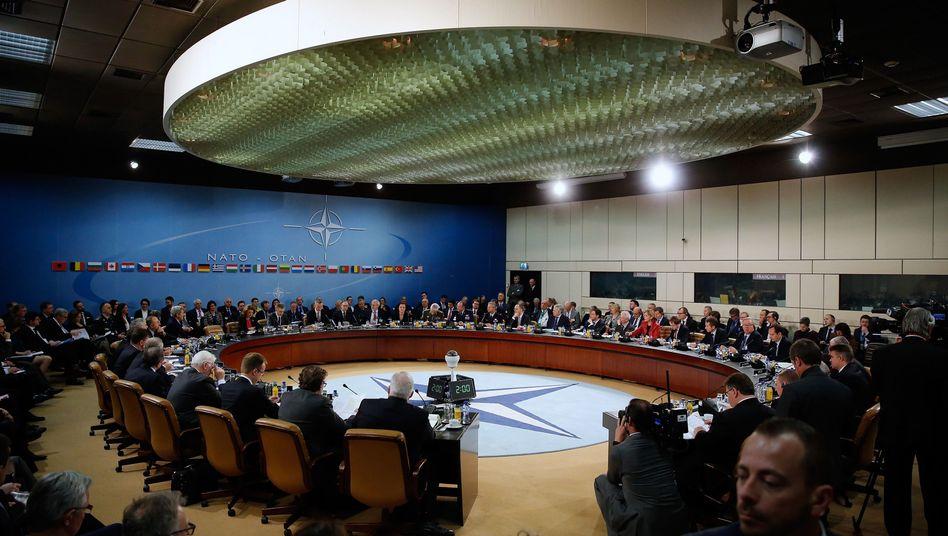 Sitzung der Nato-Außenminister: Angebot an Montenegro