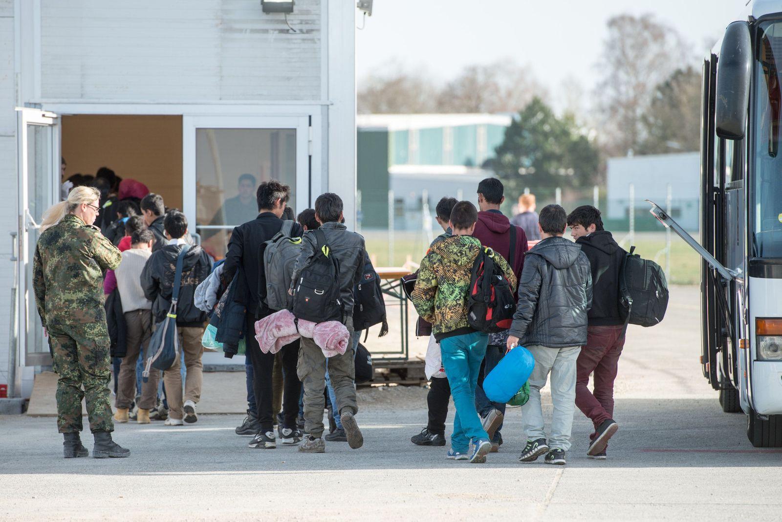Deutschland/ Erding/ Asyl/ Wartezentrum