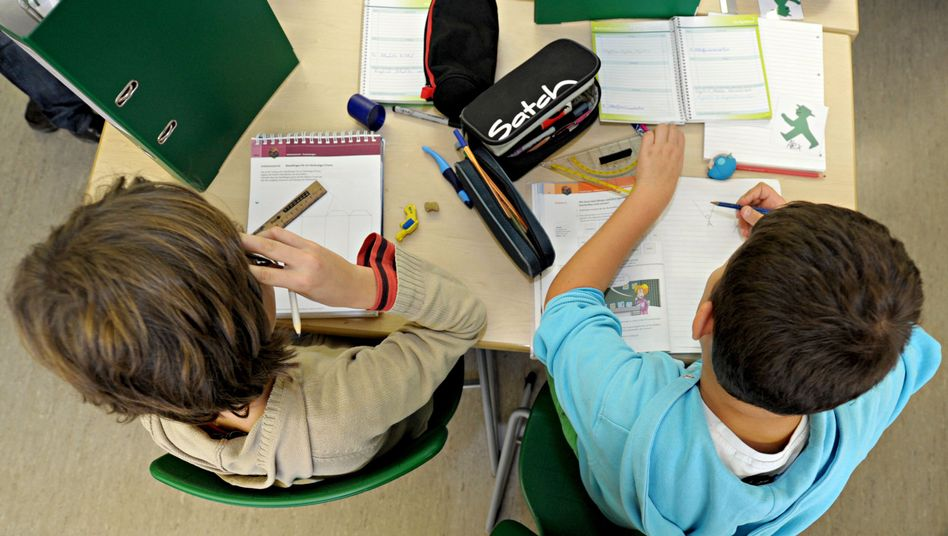 """Schüler im Gemeinschaftsunterricht: Die Debatte über """"sexuelle Vielfalt"""" als Unterrichtsthema wird größer"""