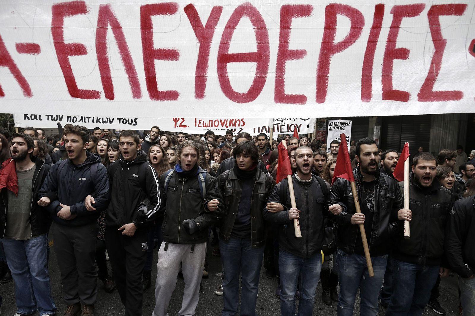 DER SPIEGEL 49/ 2014 pp 79 SPIN / Griechenland