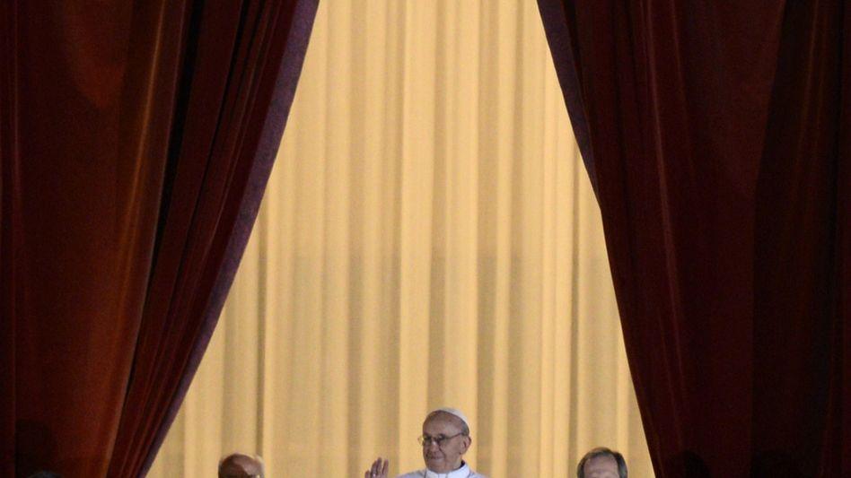 Der Argentinier Jorge Bergoglio ist der neue Papst. Er nennt sich Franziskus I.