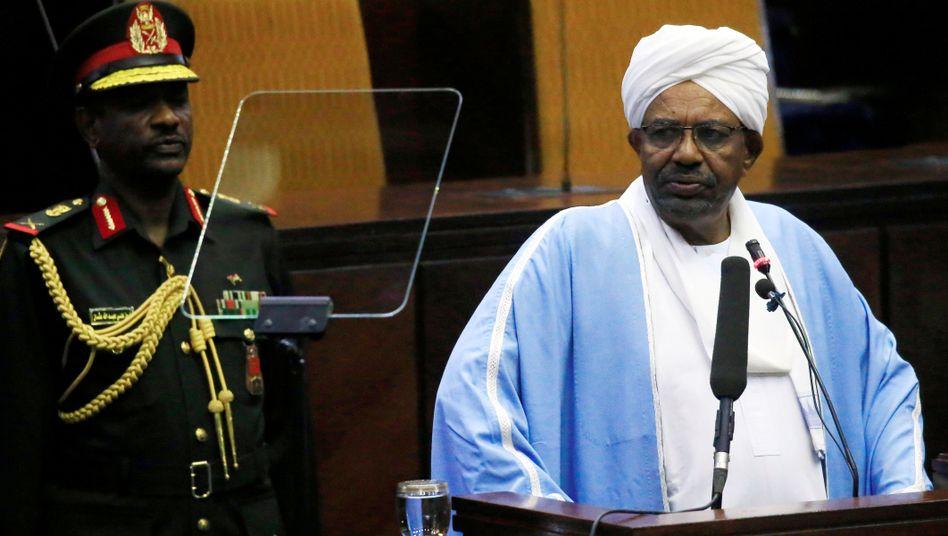 Omar al-Bashir (r.)