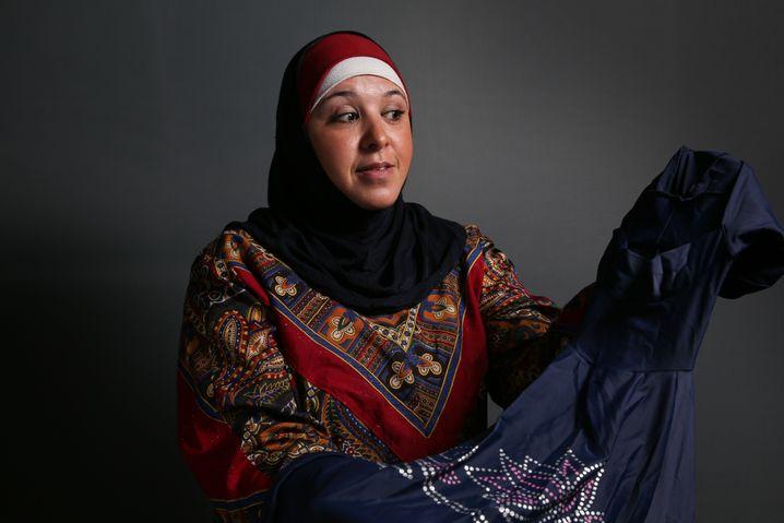 Aziza Janah, 40, housewife, Hamburg