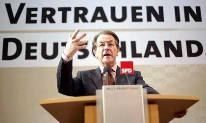 """Franz Müntefering vor Umbra-Hintergrund: """"Gute und richtige Wahl"""""""