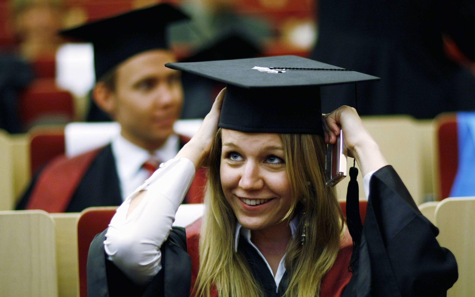 NICHT VERWENDEN Absolenten / Jura-Studium / Bucerius Law School