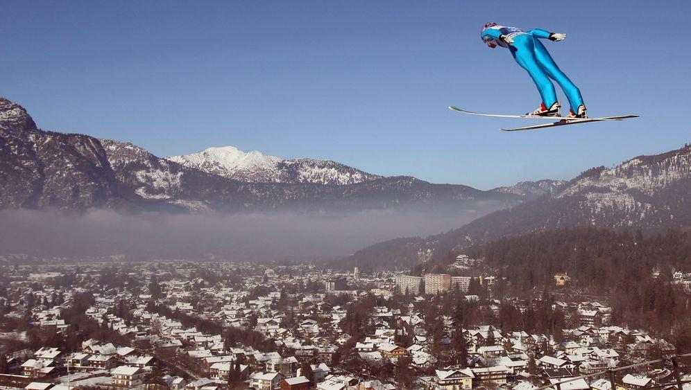 Auftakt der Skispringer: Der Alte und die jungen Wilden