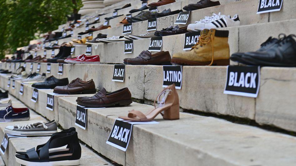 Die Schuhe der Toten: Mahnwache für Schusswaffenopfer in New York