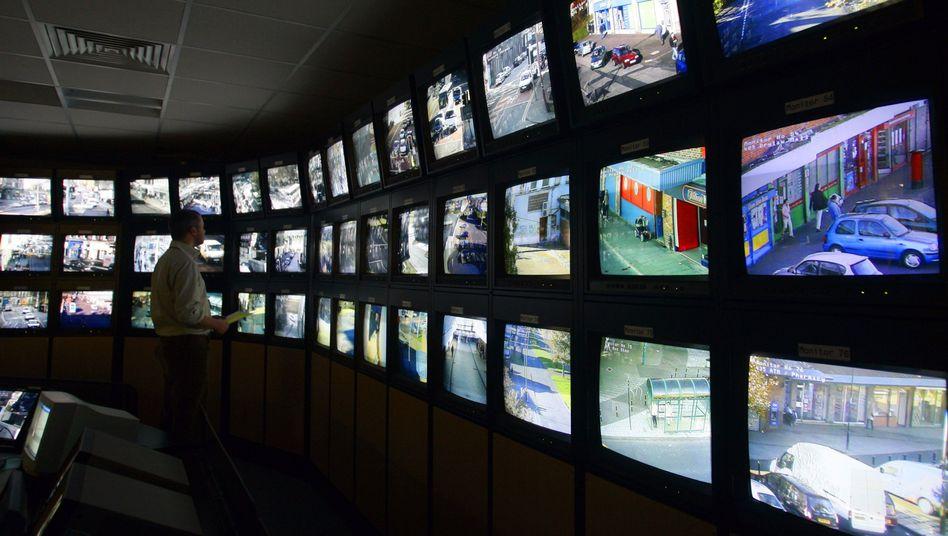"""Überwachungsmonitore in Edinburgh: """"Milliarden von Pfund für Technik ausgegeben"""""""