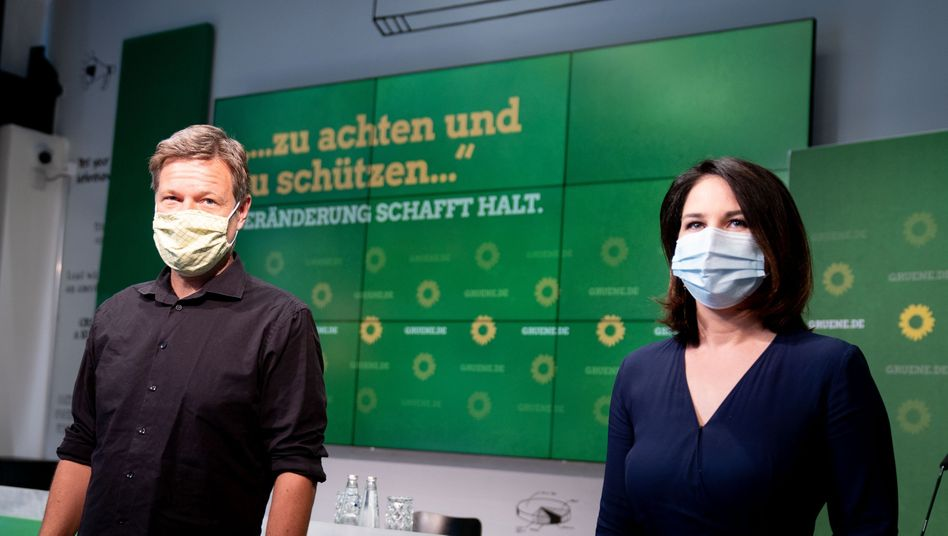"""Parteivorsitzende Habeck und Baerbock setzen auf ein neues Motto: """"Veränderung, um Halt zu schaffen"""""""