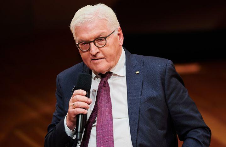 Bundespräsident Steinmeier während einer Podiumsdiskussion beim Internationalen Literaturfestival in Berlin