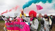 Umweltaktivisten besetzen Bahnstrecke
