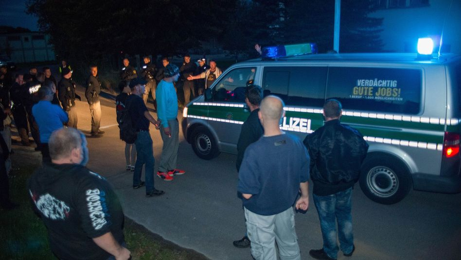 """Demonstranten, Polizei in Bischofswerda: """"Aggressive Stimmung"""""""