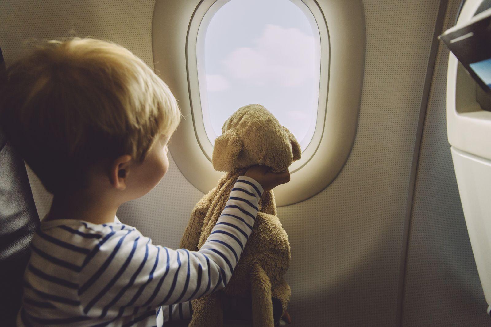 EINMALIGE VERWENDUNG Kind / Flugzeug