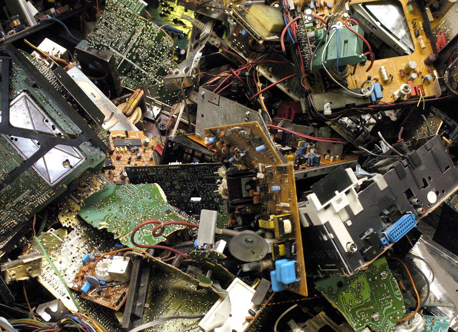 Elektroschrott / Elektrogeräte / Müllhalde