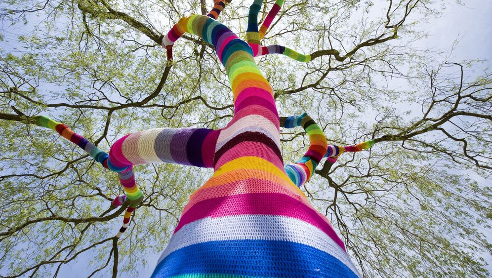 Photo Gallery: Germany's Knitting Guerillas