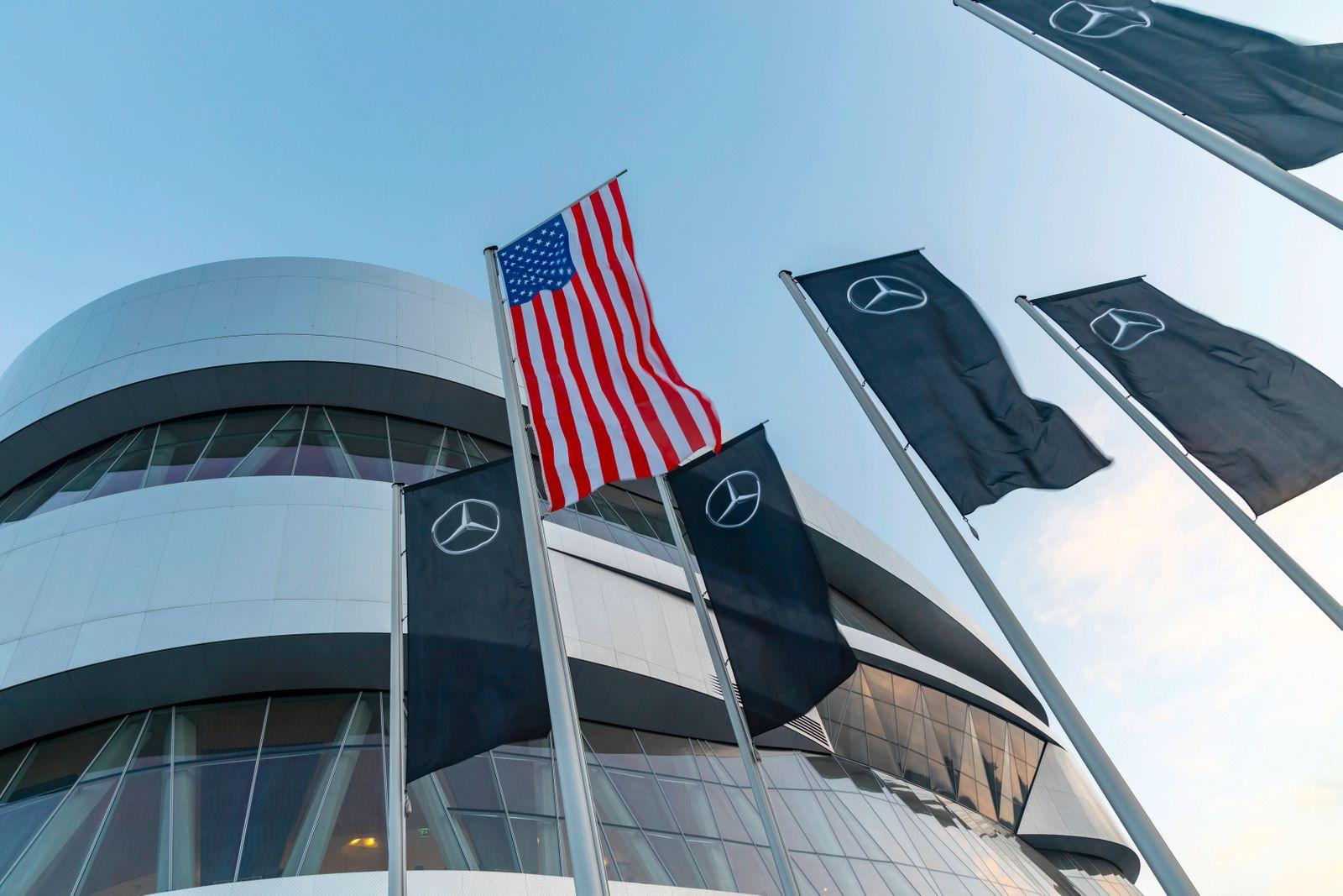 DEU; Deutschland, Baden-Württemberg, Stuttgart, 23.01.2020: Daimler AG. Unternehmenssitz in Stuttgart Untertürkheim. Vo