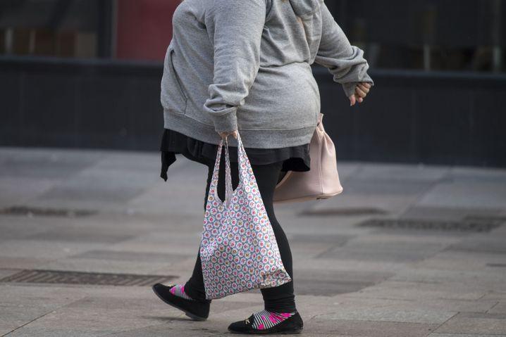 Frau in England: Fettleibigkeit nimmt weltweit weiter zu
