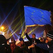 Rumänische Feier zum EU-Beitritt: Go East - junge EU-Checker erkunden das Land