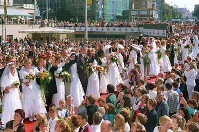 Hochzeitspaare in Deutschland: Das Ende der Einehe ist in Sicht