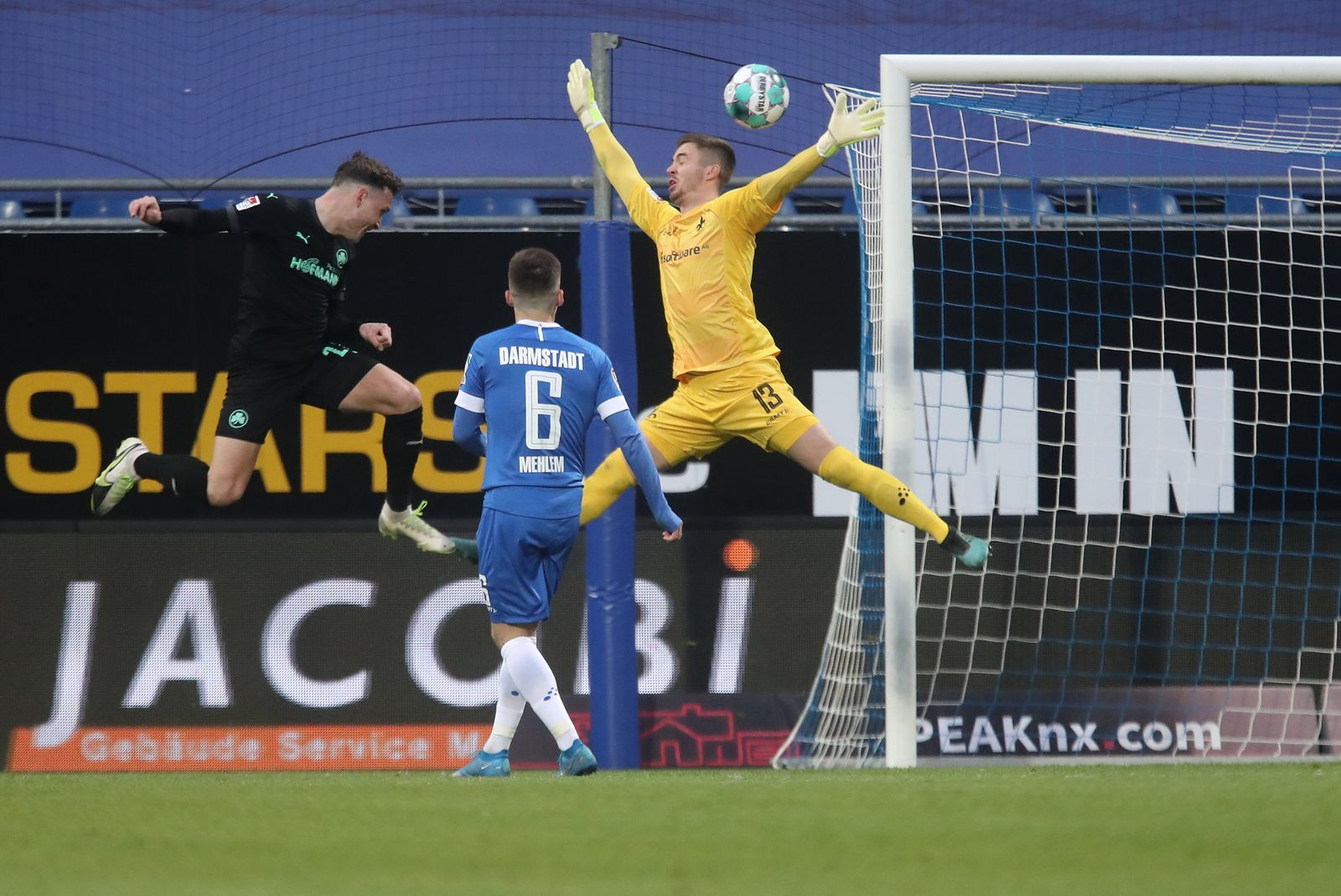 SV Darmstadt 98 v SpVgg Greuther Fuerth - Second Bundesliga