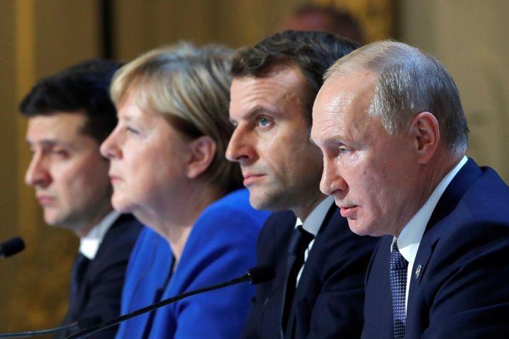 Foto von der Pressekonferenz der Gipfelteilnehmer