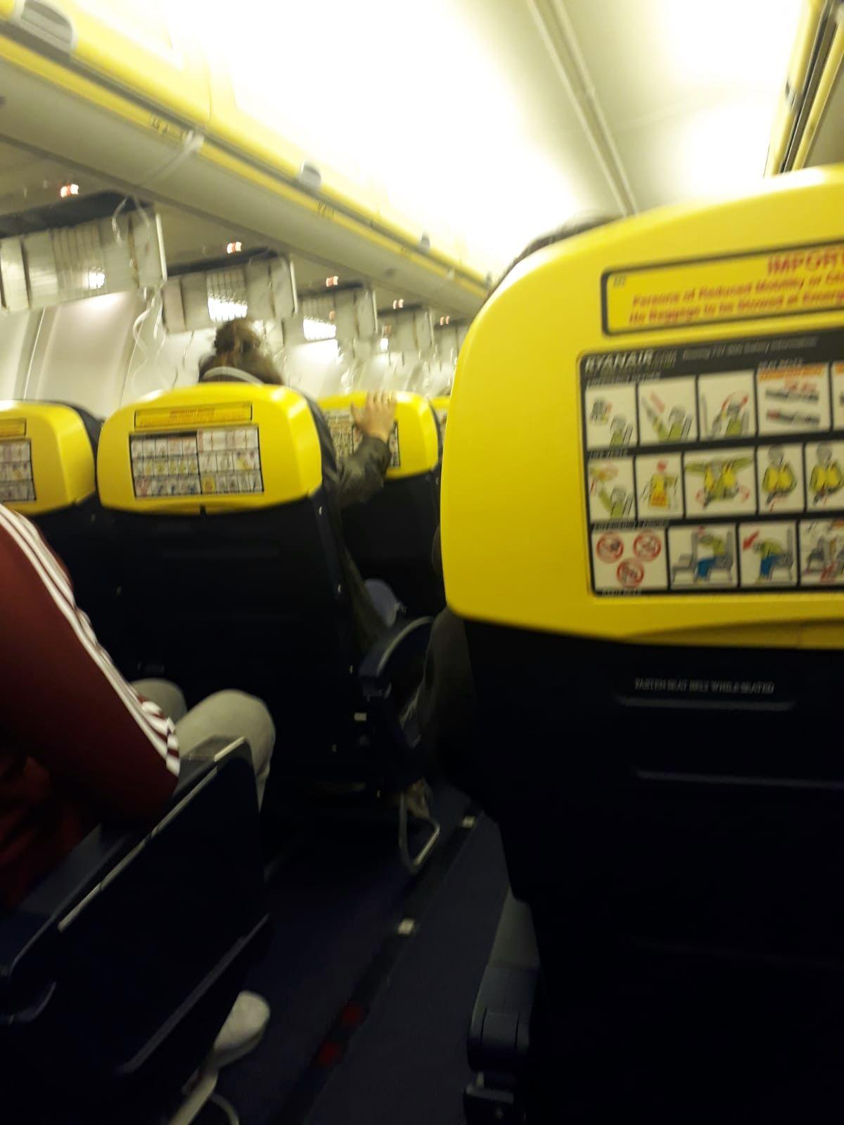 EINMALIGE VERWENDUNG Flug/ Ryanair/ Druckabfall
