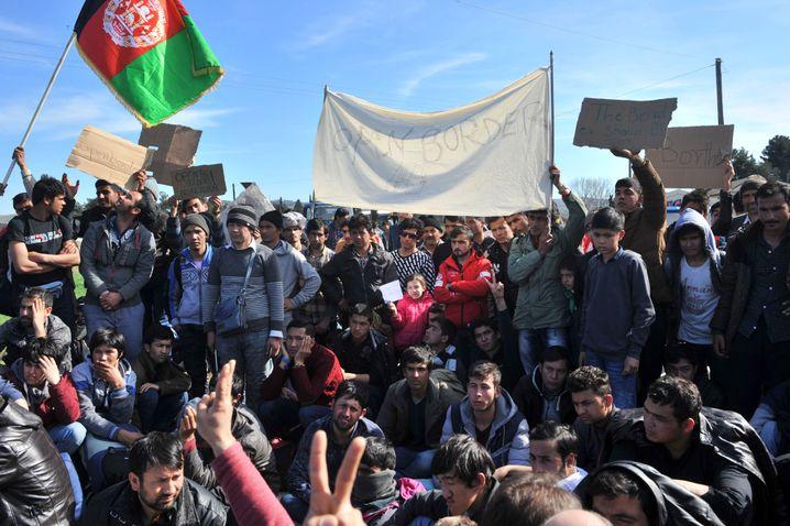 Afghanen in Idomeni: Mazedonien hat die Grenze geschlossen