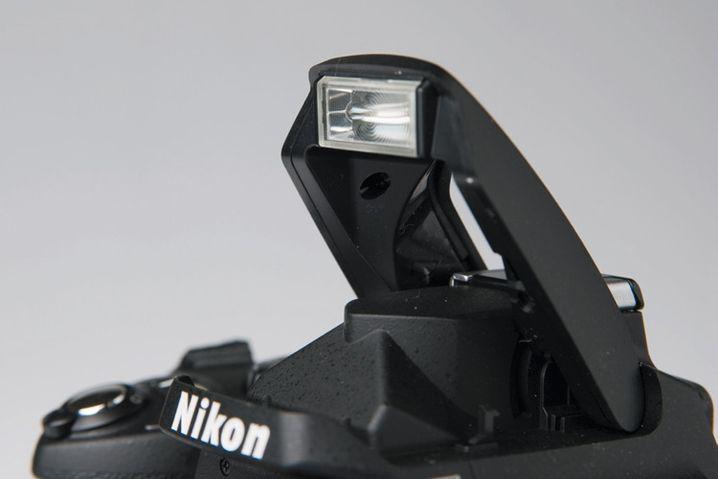 Für das Aufhellblitzen reicht der eingebaute Kamerablitz meist aus