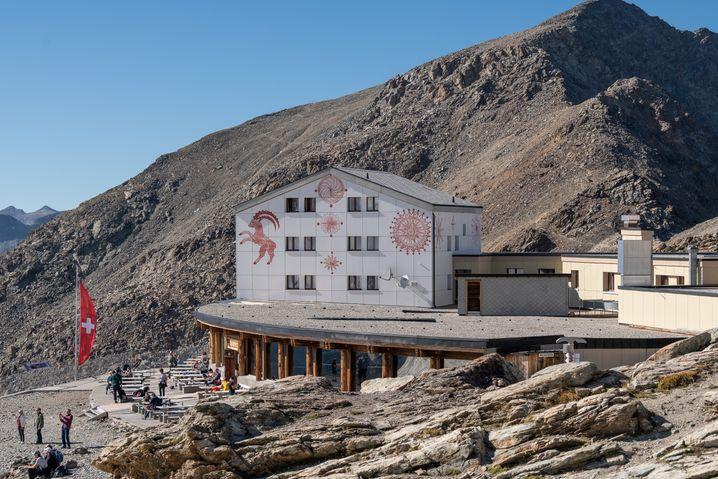 In Toplage: Das Berghaus Diavolezza