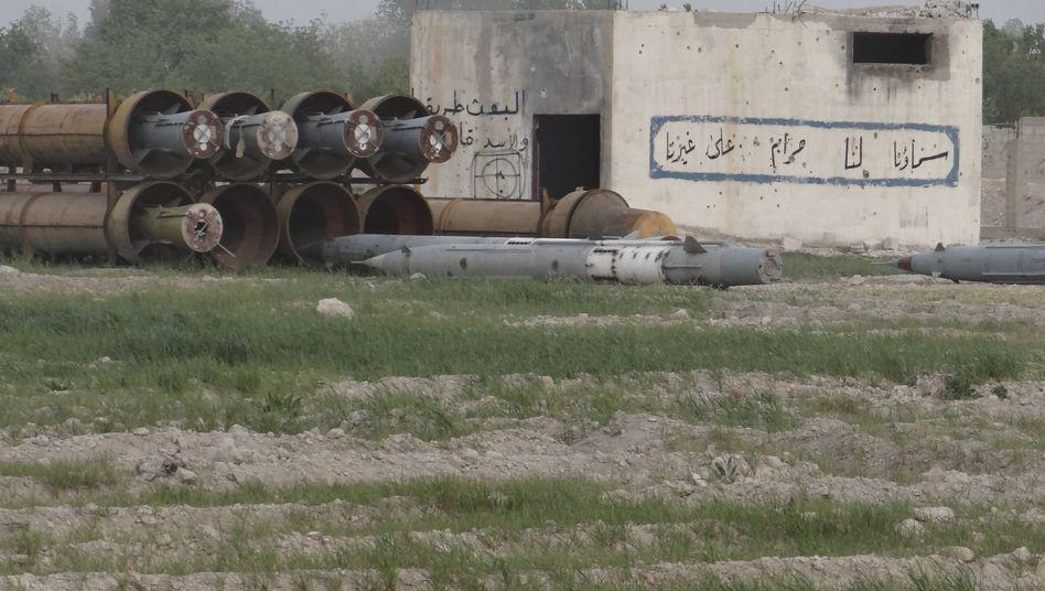 Raketen vor syrischer Armee-Basis (Symbolbild): Erste Beweise für C-Waffen?