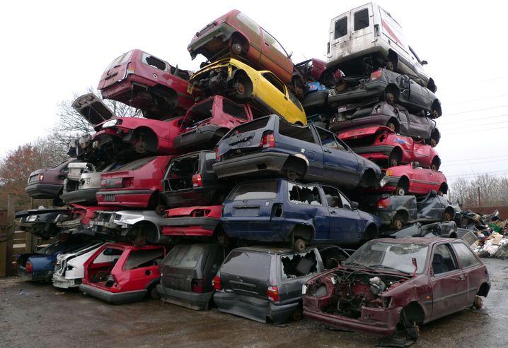 Schrottautos (Archivbild): Was ist besser fürs Klima?