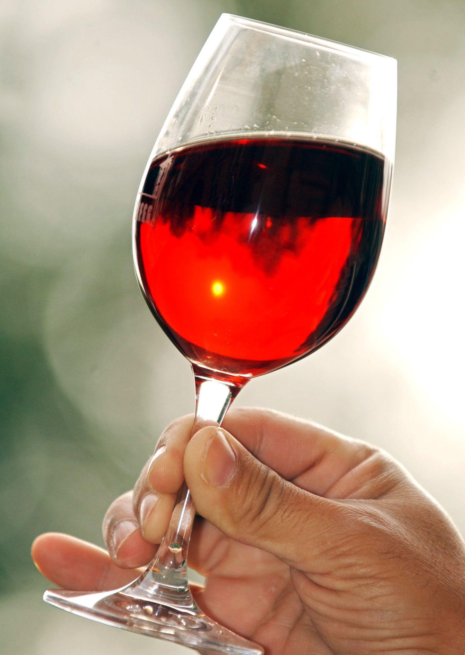 Rotweinglas / Rotwein / Wein / Weinglas