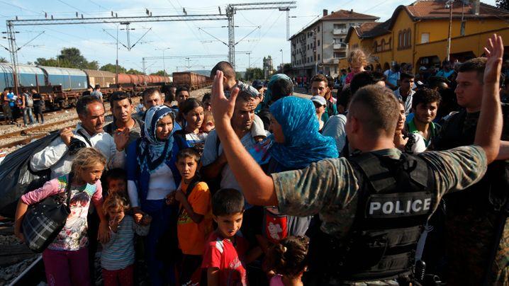 Ausnahmezustand: Tausende Flüchtlinge in Mazedonien