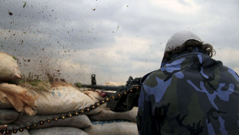 Rebellenkämpfer in der Nähe von Aleppo (Archivbild): Angriff auf Assad