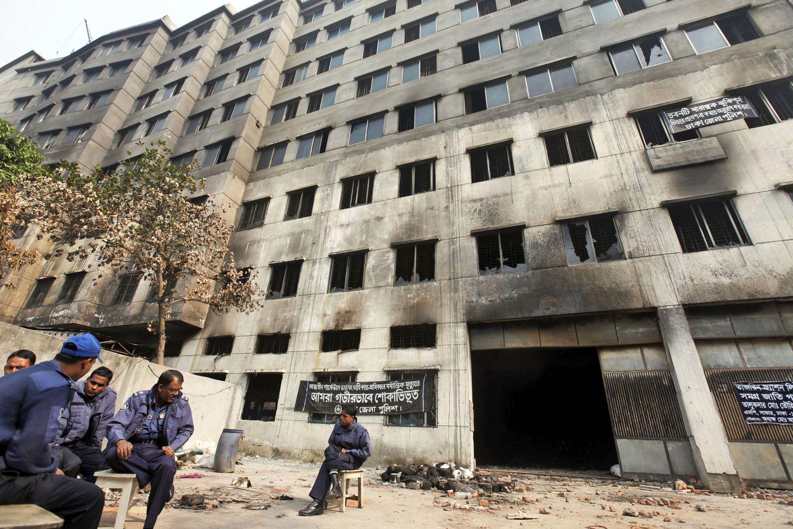 Bangladesch / Dhaka / Feuer Textilfabrik