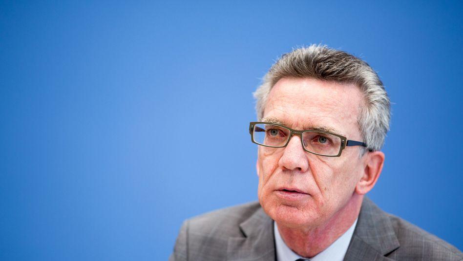 "Bundesinnenminister de Maizière: ""Wir dürfen Gewalt und Hass nicht tolerieren"""
