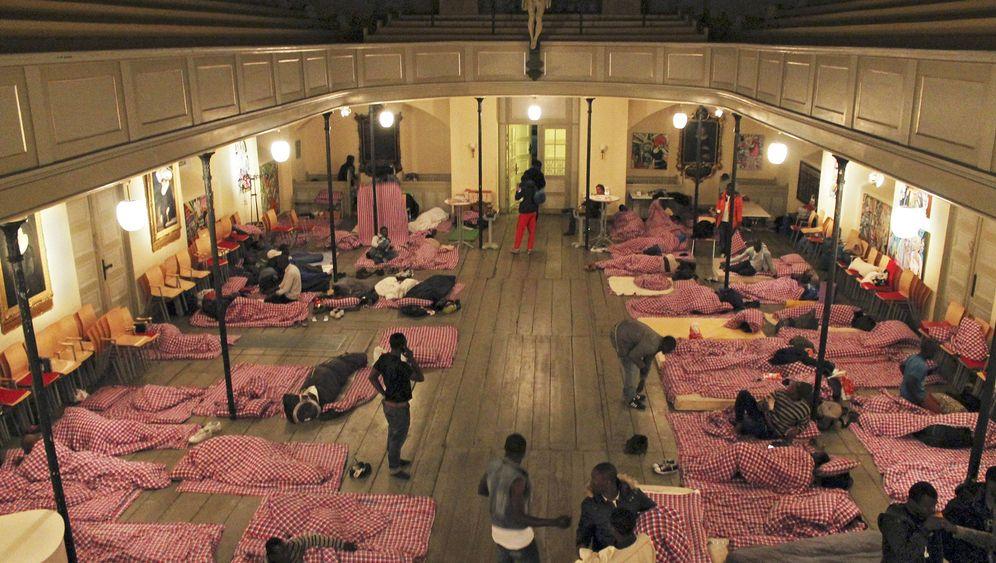 St. Pauli: Flüchtlingslager in der Kirche