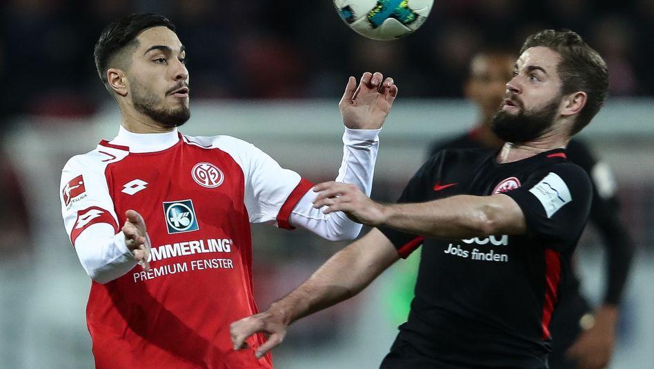 Torschütze Suat Serdar (l.) und Marc Stendera