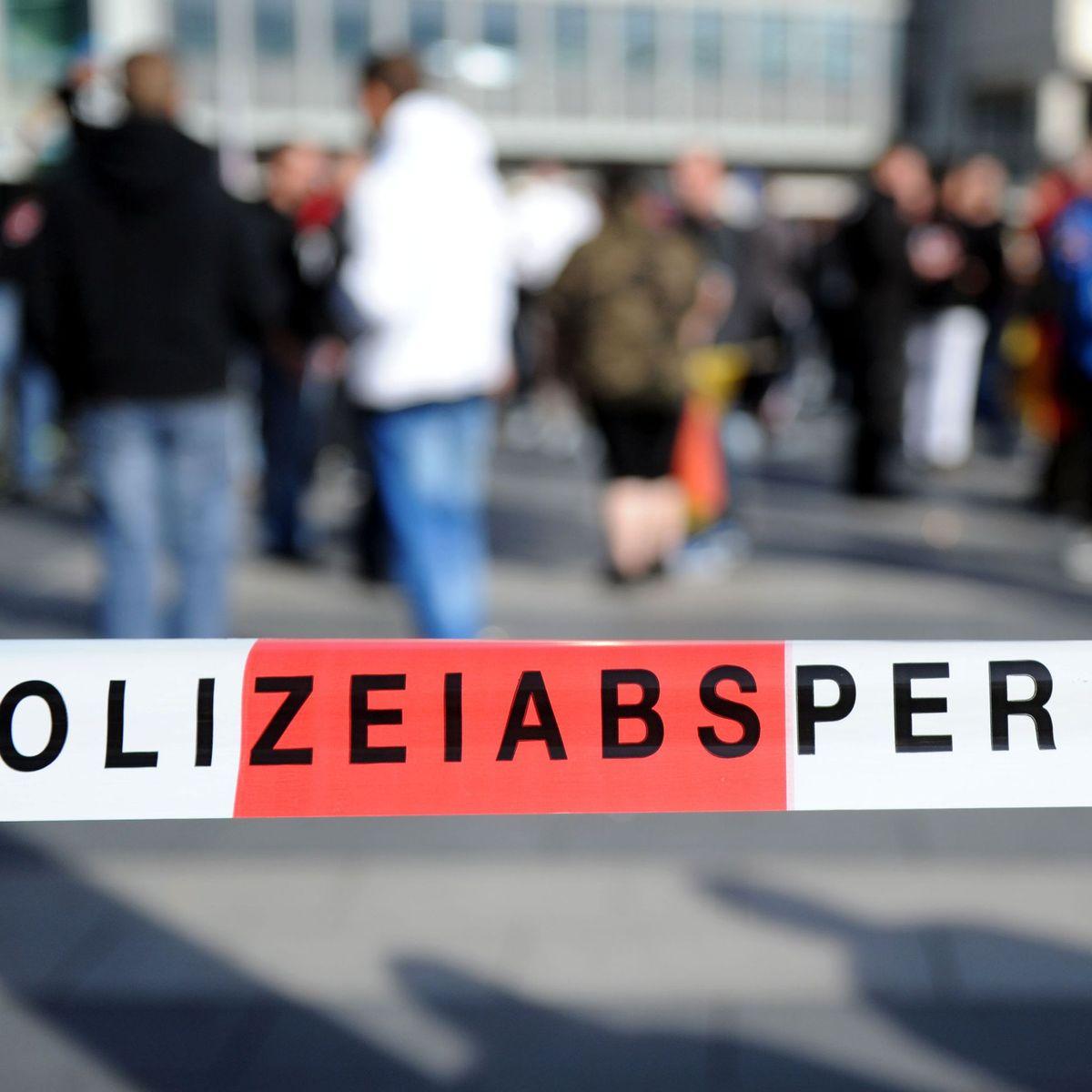 Tödlicher Unfall im Kölner Karneval: Frau stürzt ins Gleis und wird von Zug überrollt