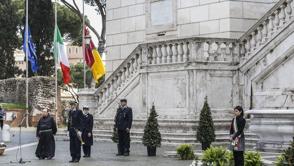 """Schweigeminute in Rom: """"Für die Opfer der Epidemie, denen wir kein Begräbnis geben konnten"""""""