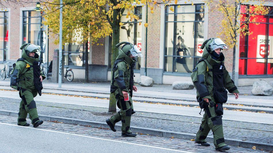 Bombensuchkommando an einem Einkaufszentrum in Roskilde