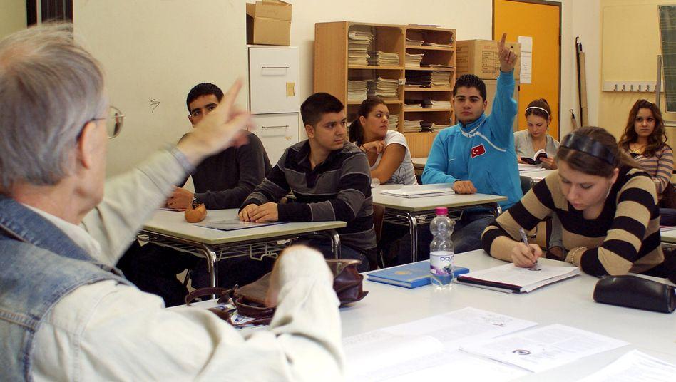 Lehrer in Berlin (Archiv): Fast jeder zweite Pädagoge ist Ü50 - es droht ein Lehrermangel