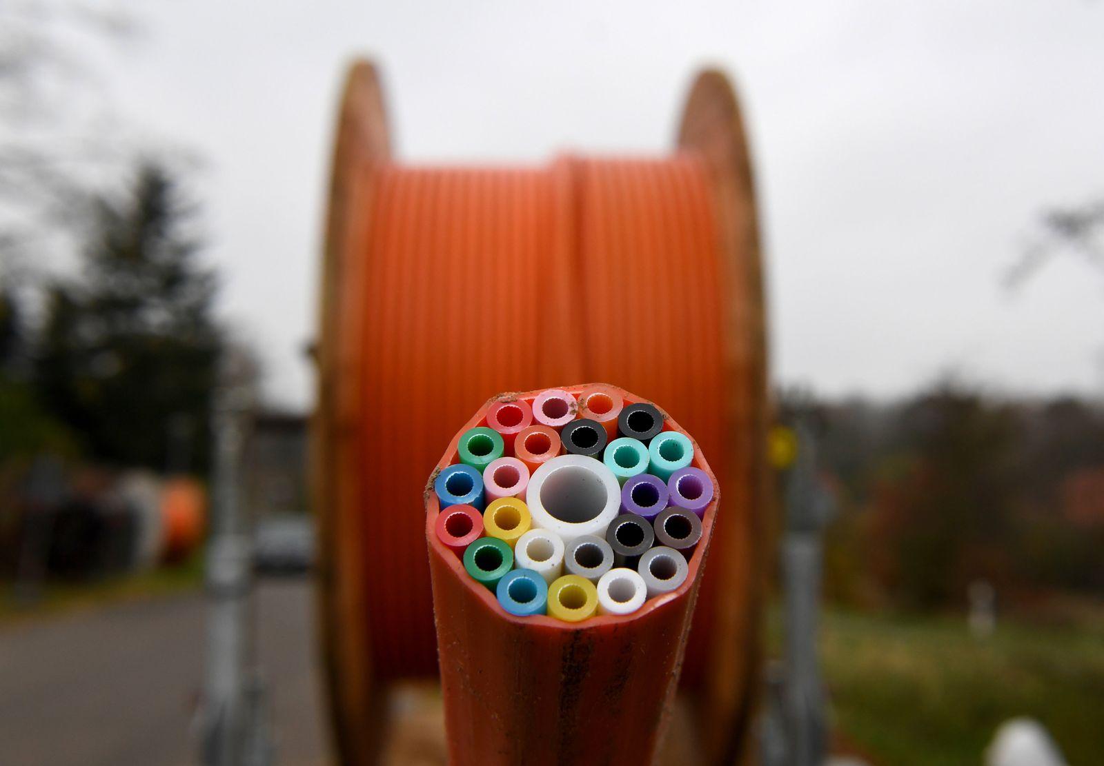 Leitungen Breitbandkabel / Breitbandausbau