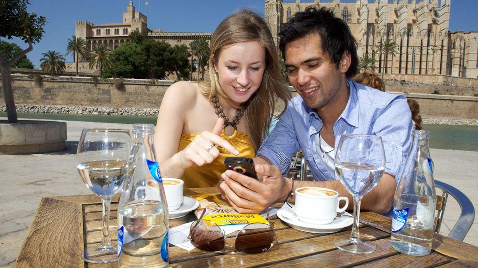 Navi, Übersetzer oder Lexikon: Die Smartphone-Programme helfen bei der Orientierung