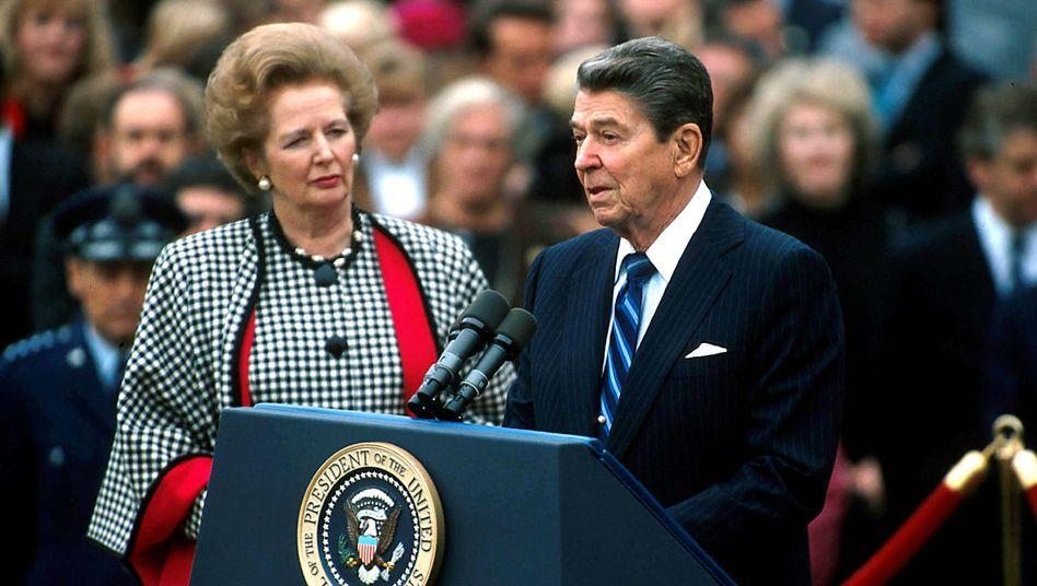Margaret Thatcher und Ronald Reagan bei einem gemeinsamen Auftritt 1988