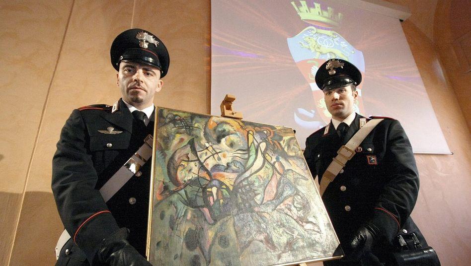 Carabinieri mit der gefälschten Komposition »K19« in Italien 2011