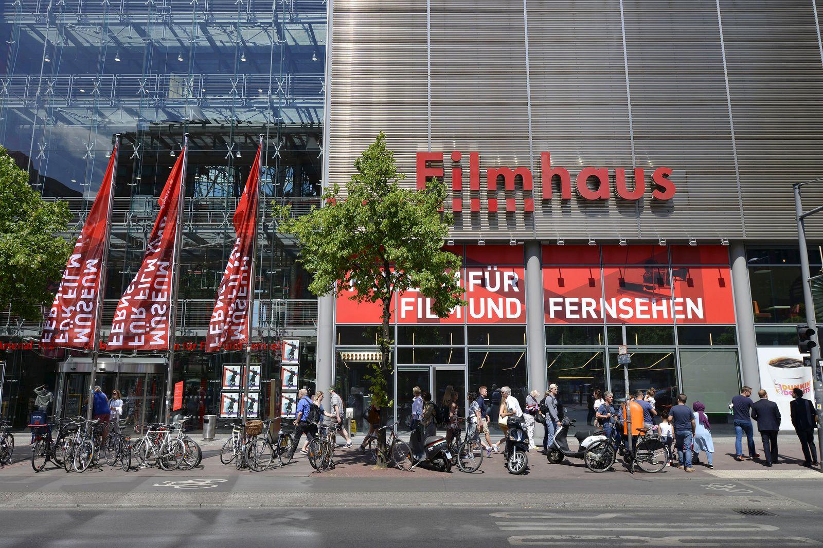 Das Filmhaus Deutsche Kinemathek Museum fuer Film und Fernsehen Berlin Deutschland
