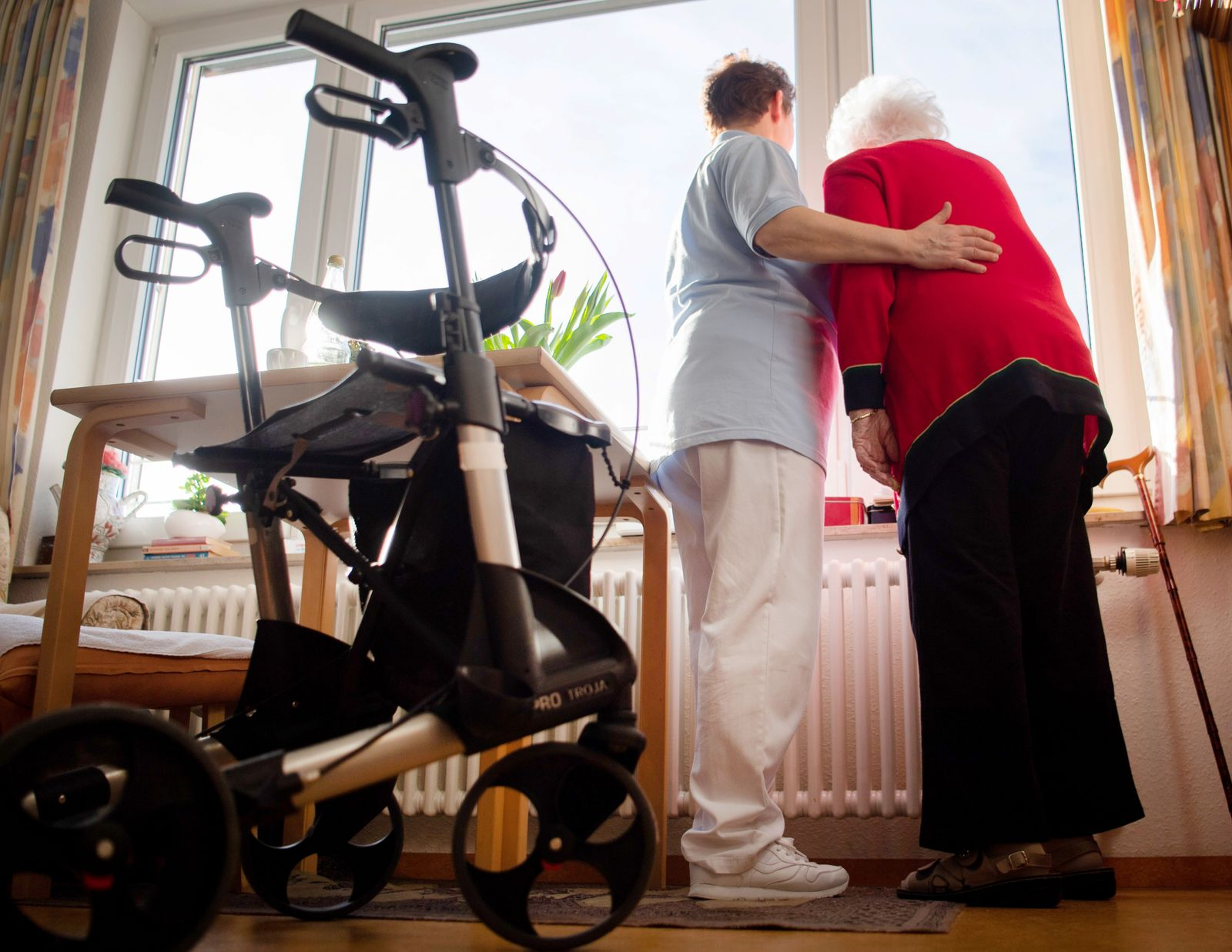 Rund 5800 ausländische Pflegekräfte angeworben