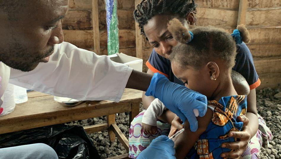 18 Millionen Kinder im Kongo wurden gegen die Masern geimpft - doch in vielen Regionen ist die Impfrate zu niedrig.