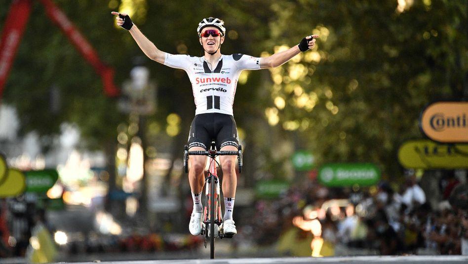 Sören Kragh Andersen hatte am Ende genug Vorsprung, um sich auf den finalen Metern feiern zu lassen
